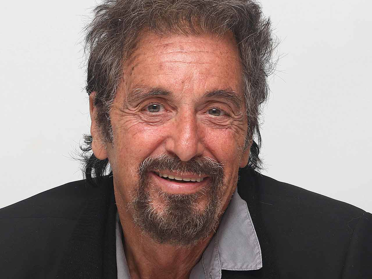 Al Pacino talks to Sag...
