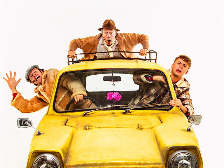 Paul Whitehouse as Grandad in the yellow Reliant Regal with Del Boy and Rodney