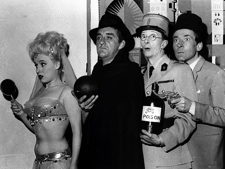 Barbara Windsor, Bernard Cribbins, Charles Hawtrey and Kenneth Williams in Carry on Spying