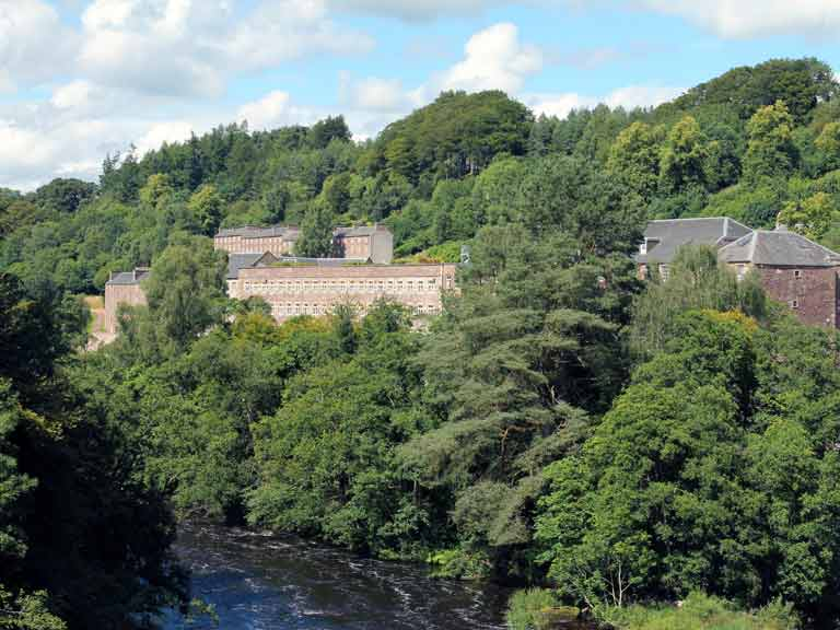 New Lanark, Scotland © David Falconer / Shutterstock.com