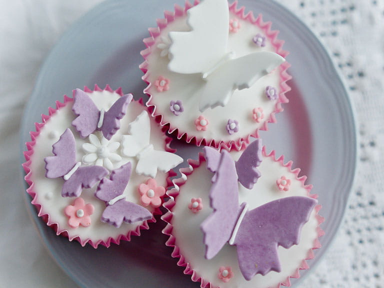 Decorative butterfly cupcakes - Saga