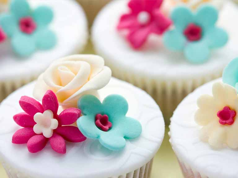 Cupcakes with fondant icing