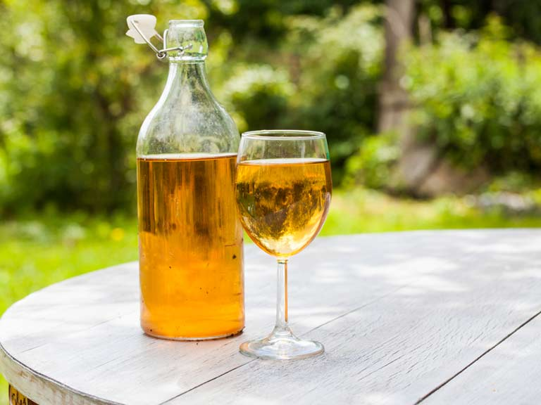 how to drink mead