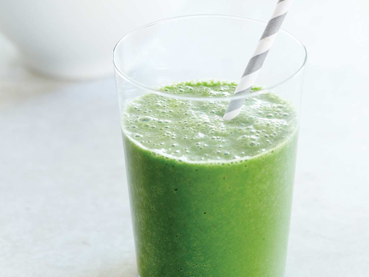 Clean green kale smoothie