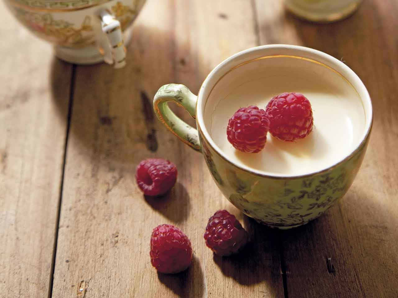 Annabel Langbein's honey and lemon cream puddings