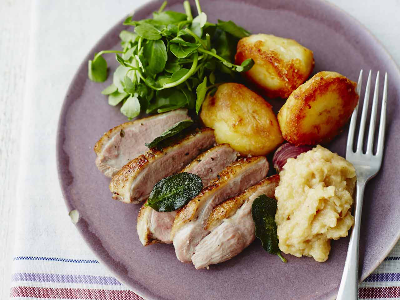 Crispy duck breast with apple sauce