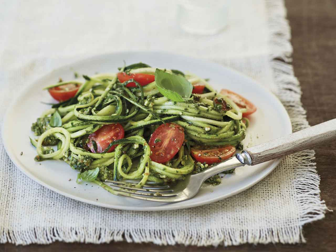 Courgette 'pasta' with kale
