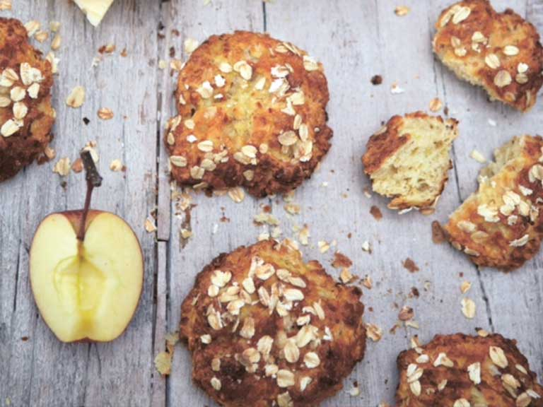 Little apple and cheese oat breads