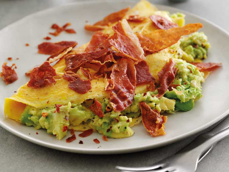 Avocado and crispy prosciutto omelette
