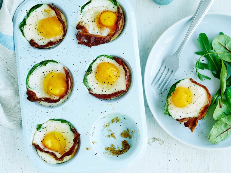 Bacon and egg spinach cups
