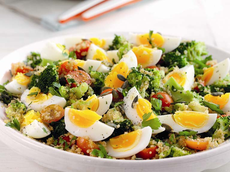 Quinoa, egg and broccoli salad