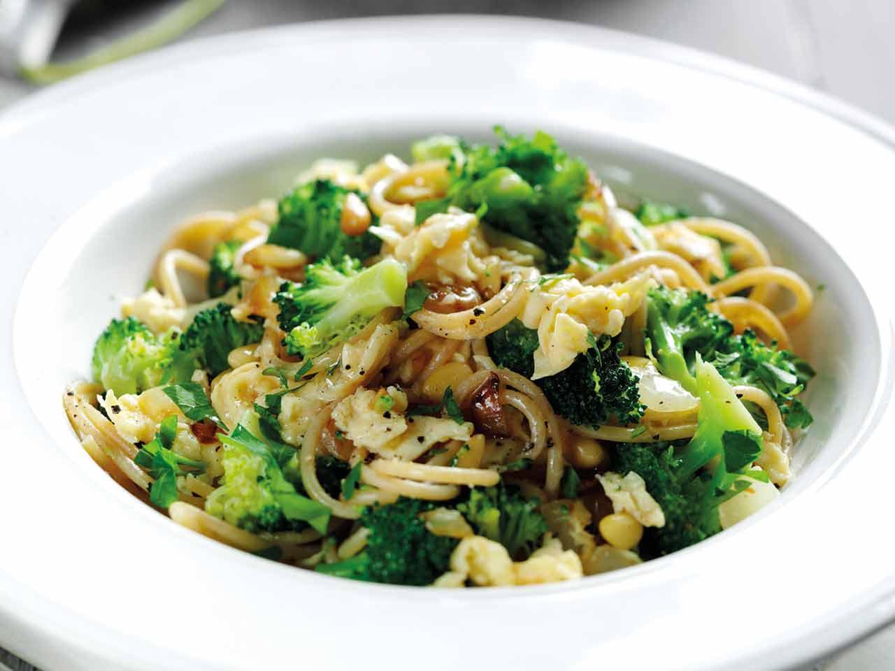 Spaghetti With Egg And Broccoli Saga