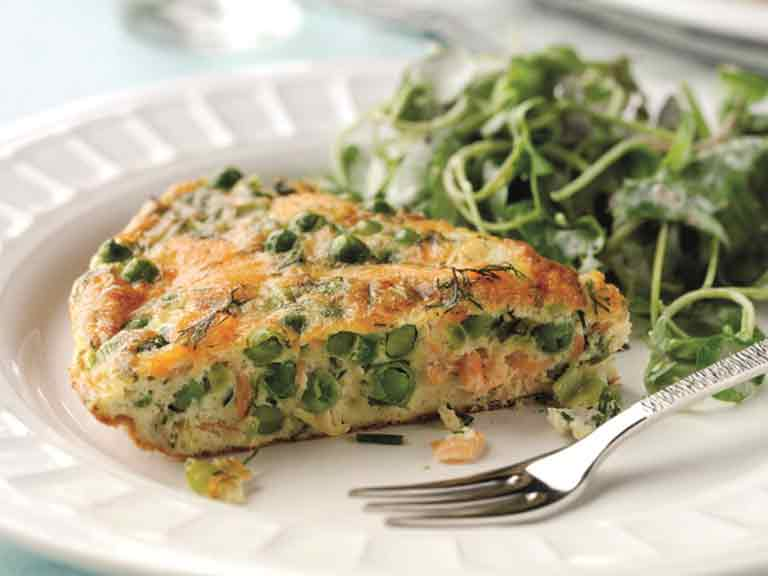 Smoked salmon and pea frittata