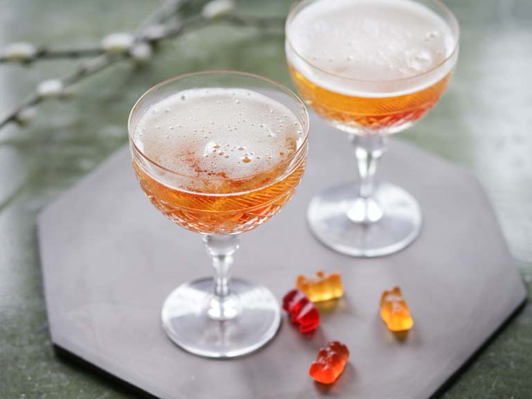 Champagne Haribo cocktail