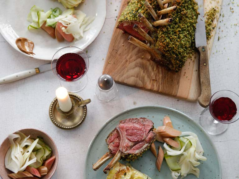 Roast rack of lamb with a herbed rye crust