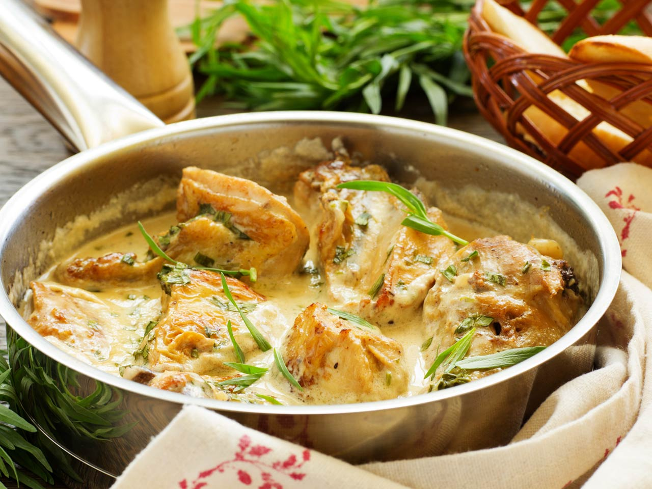 Creamy chicken with tarragon