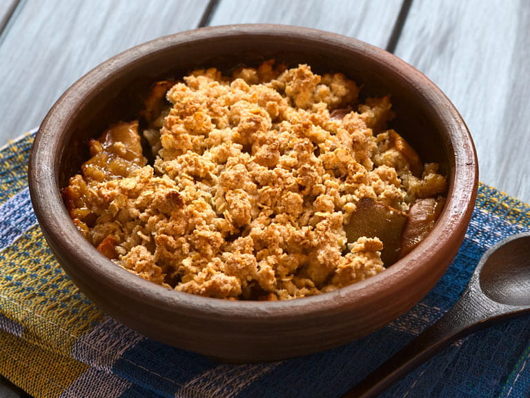 Oaty apple crumble