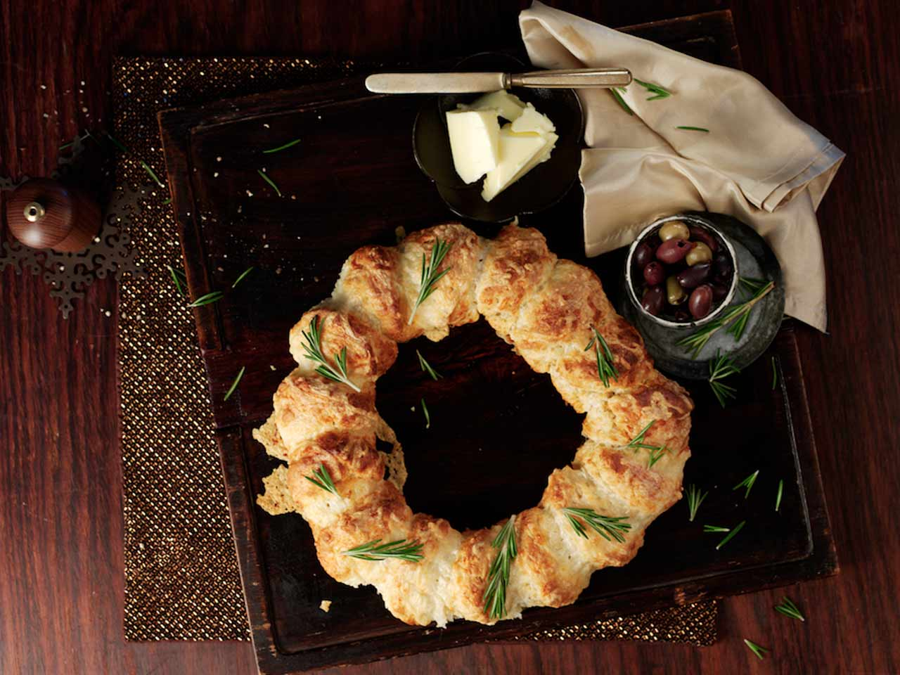 Pull-apart cheese scone wreath