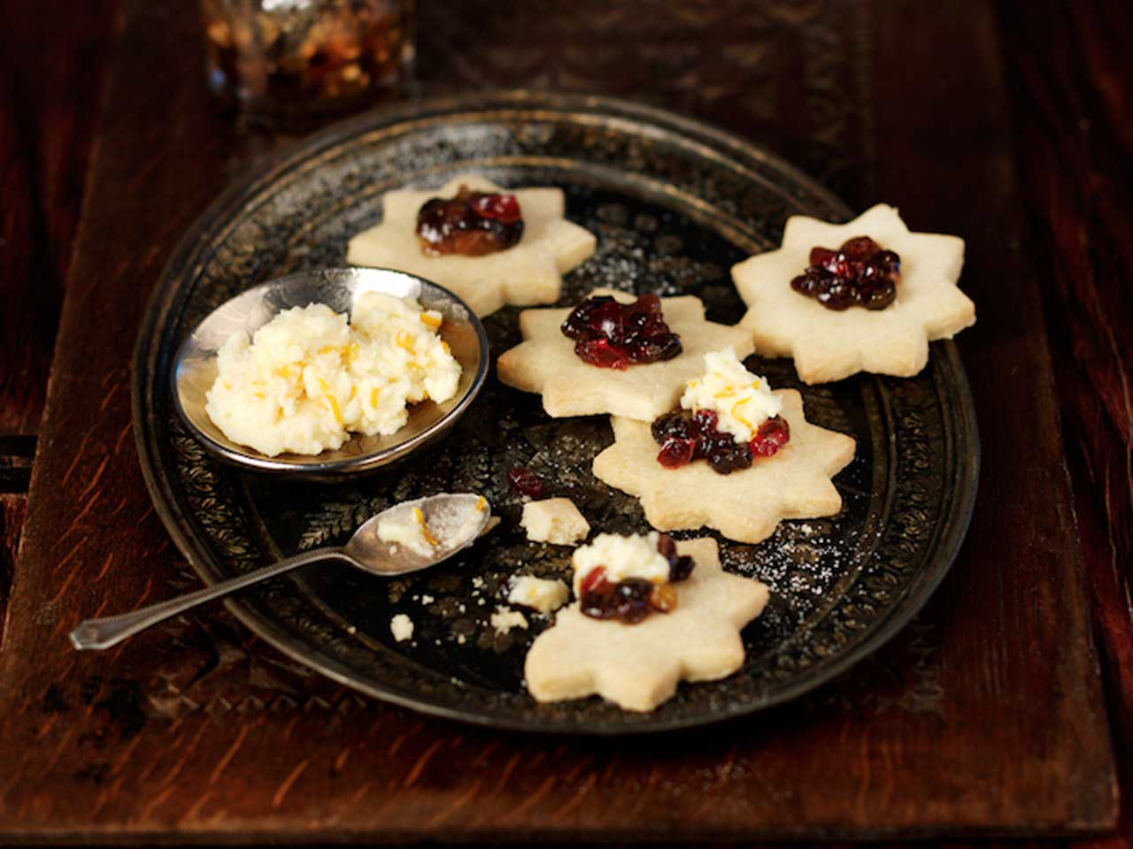 Shortbread stars with mincemeat