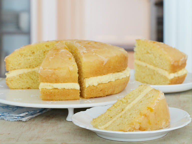 Mary Berry's orange drizzle cake