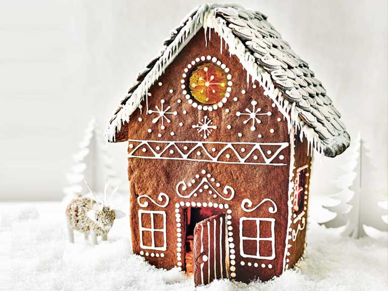 Gingerbread house by Paul Hollywood
