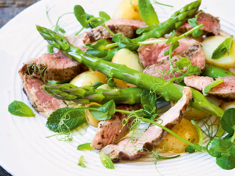 Lamb, asparagus and mint salad