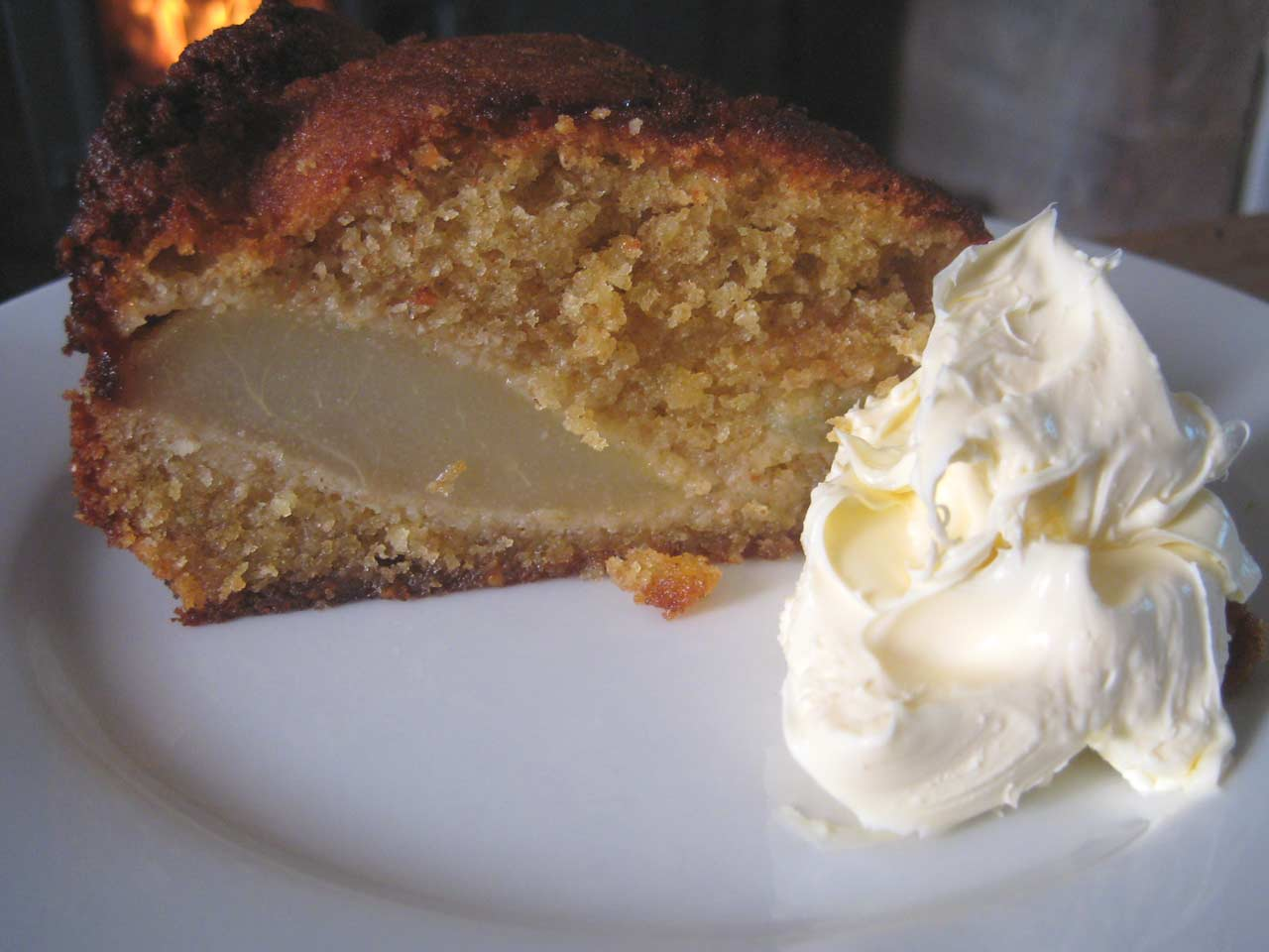 Hugh Fearnley-Whittingstall's pear and almond pudding cake