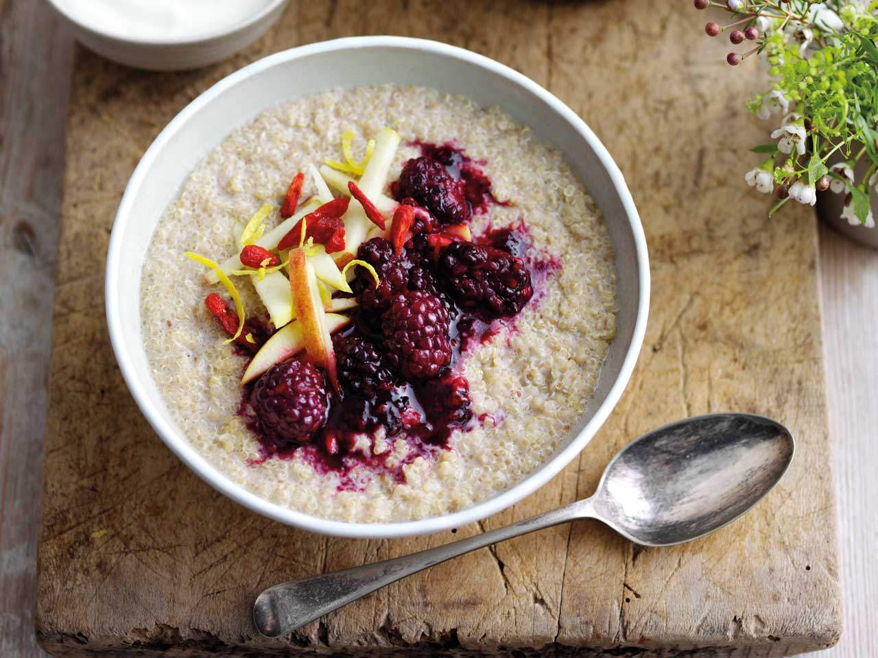 Blackberry compote with quinoa porridge