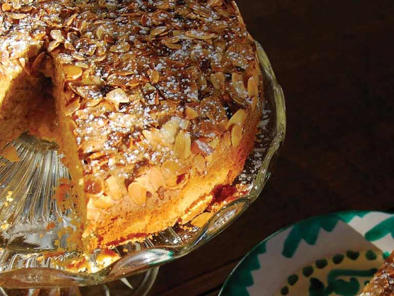 Andalusian almond and olive oil cake