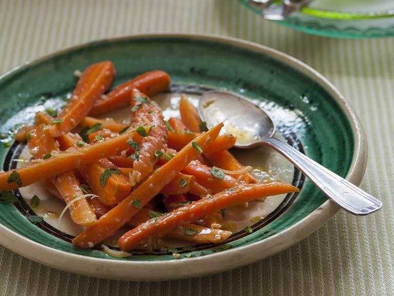 Carrot salad with cumin