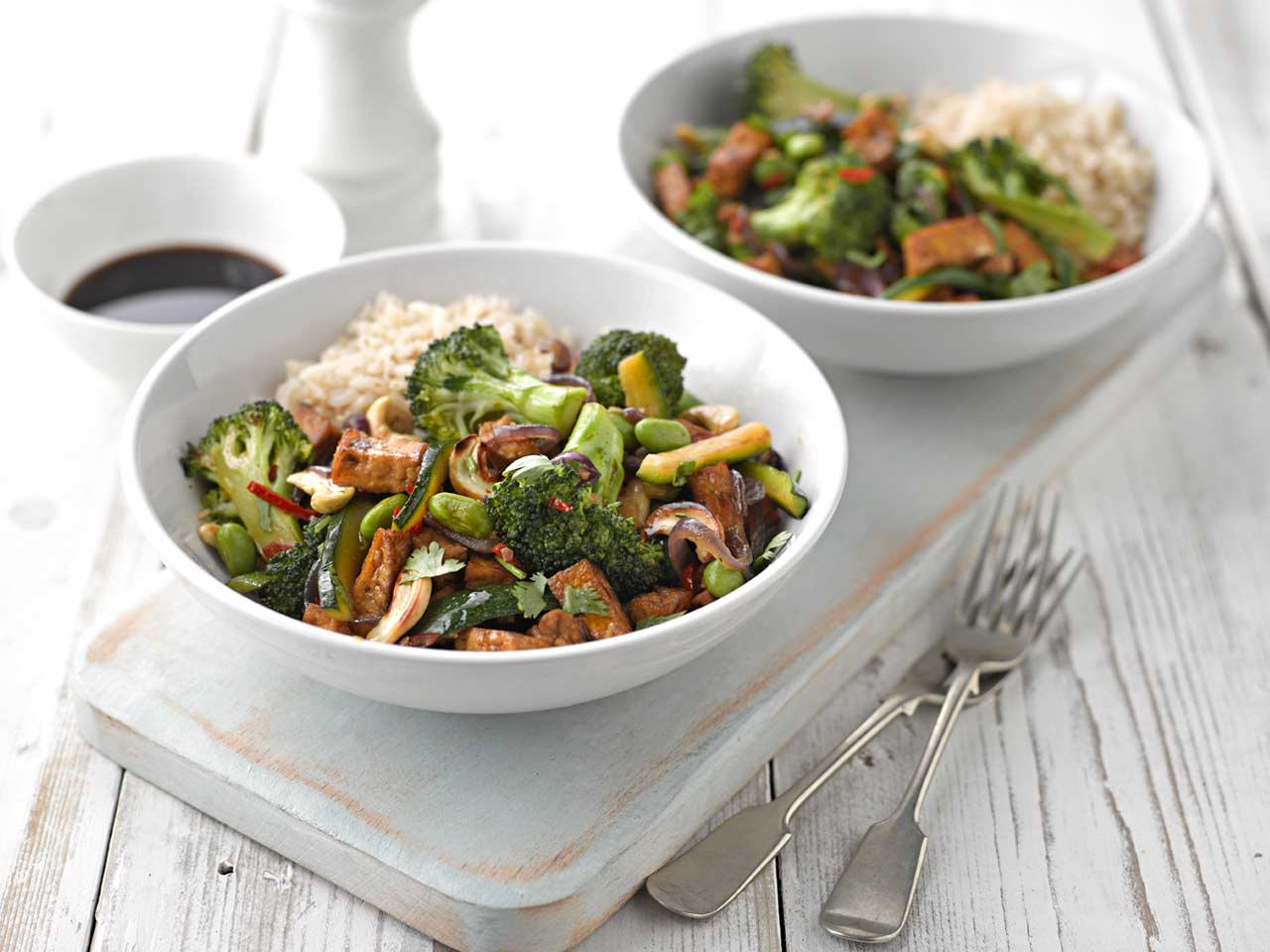 Vegetable stir fry with marinated tofu