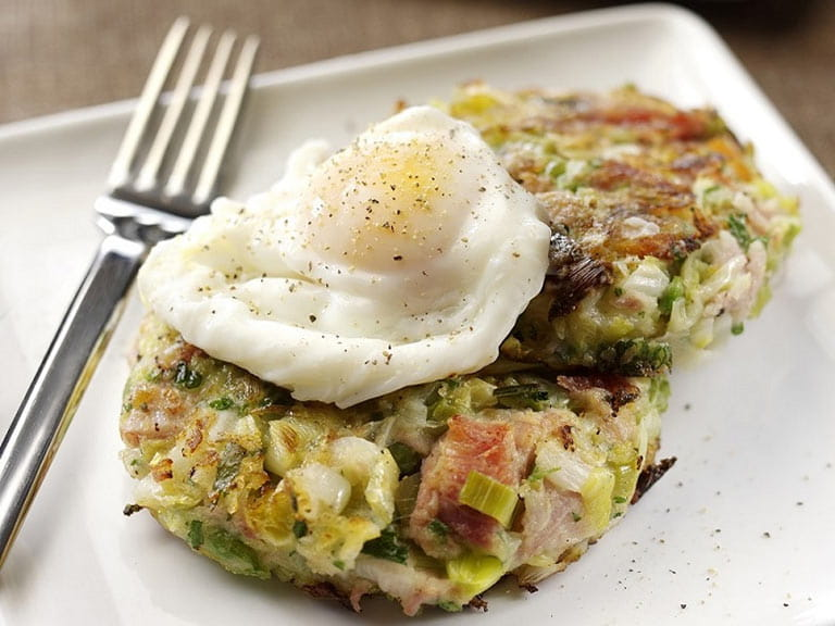 Pulled ham and leek bubble and squeak with poached egg recipe