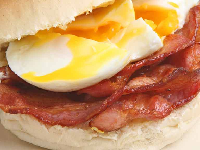 Swap a bacon and egg sandwich for a healthy bowl of porridge to help beat the bloat.