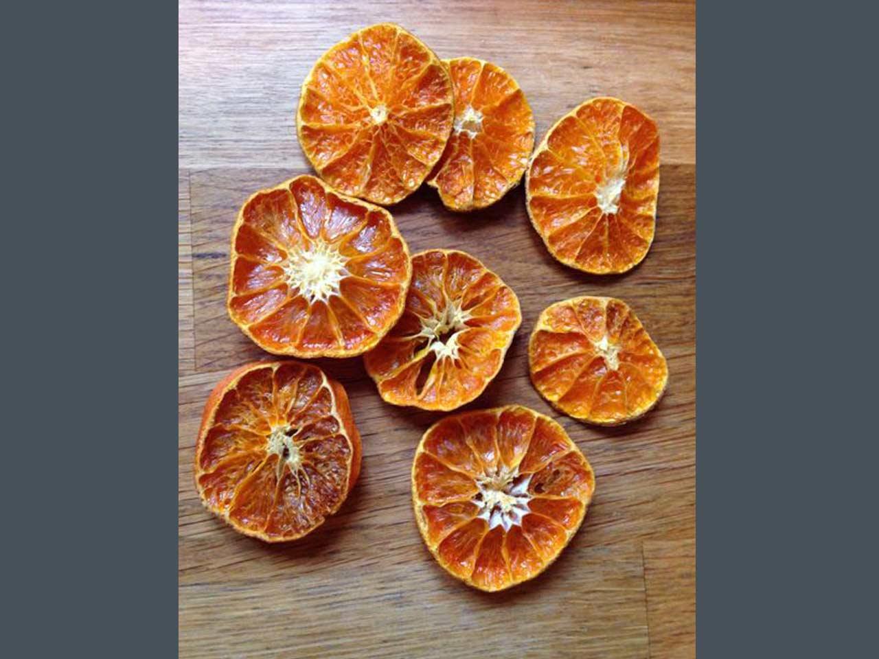 How To Make A Dried Orange Christmas Garland Saga