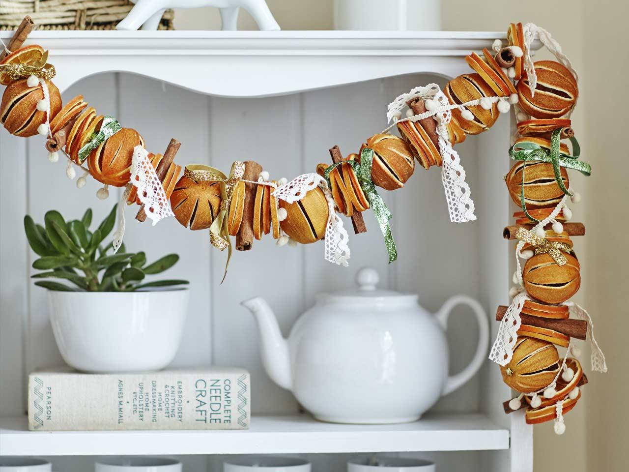 How to make a dried orange christmas garland saga for How to make christmas garland decorations