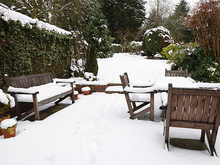 How To Store Protect Wooden Garden Furniture For Winter Saga