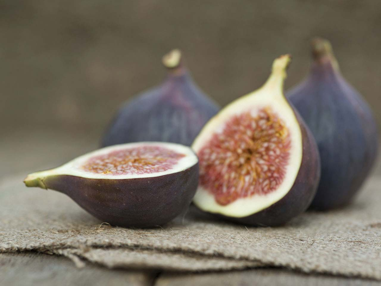 Figs on hessian background