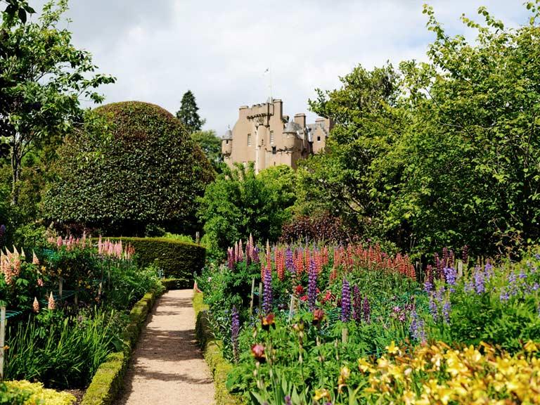 Best gardens to visit in scotland saga for Garden design ideas scotland