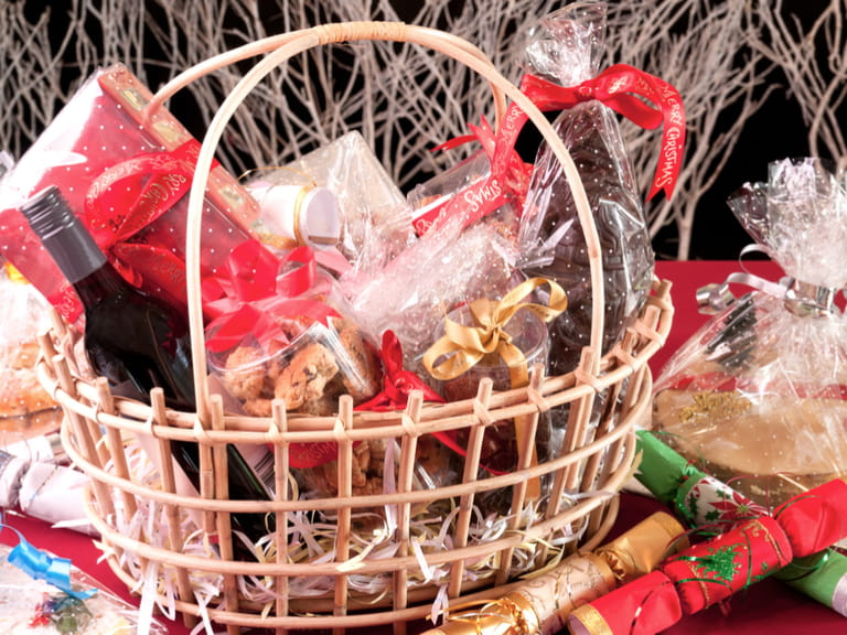 Christmas Hamper Ideas.Make Your Own Christmas Hamper Saga