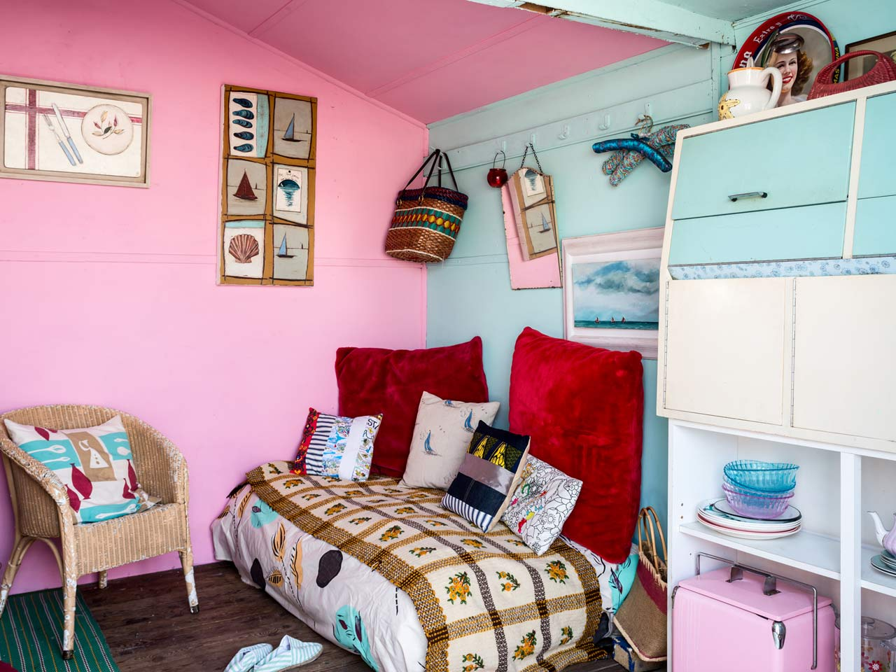 Interiors Inside Jo Oakley S Beach Hut Saga