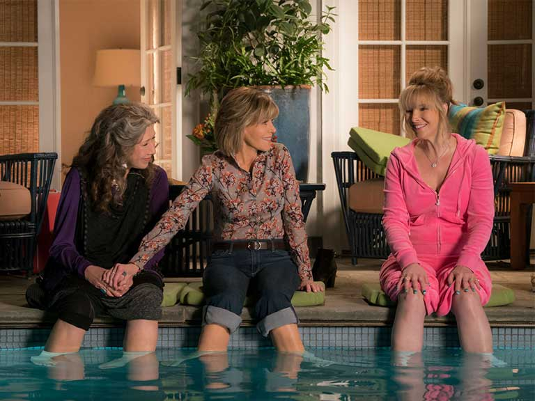 Jane Fonda and Lisa Kudrow in Grace and Frankie