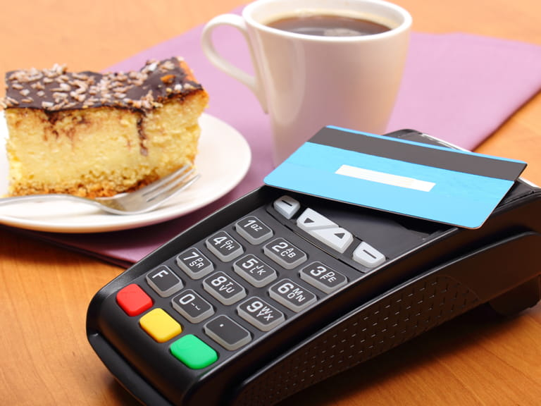 Using a contactless card to pay on a payment terminal