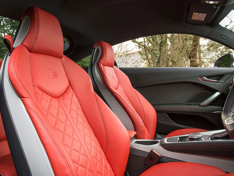 The red seats of the Audi TTS