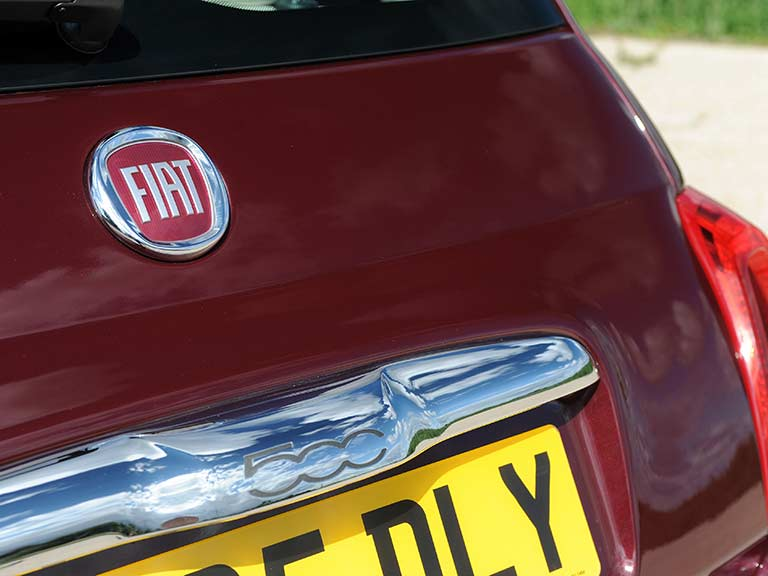 The badge of the Fiat 500