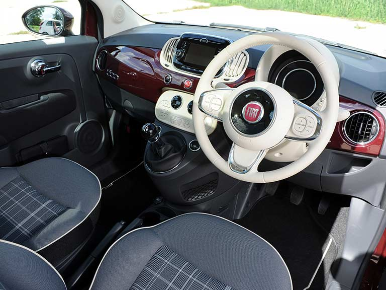 The dashboard of the Fiat 500