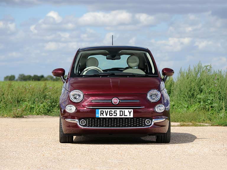 The front view of the Fiat 500