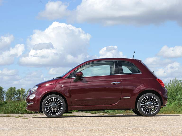 The side view of the Fiat 500