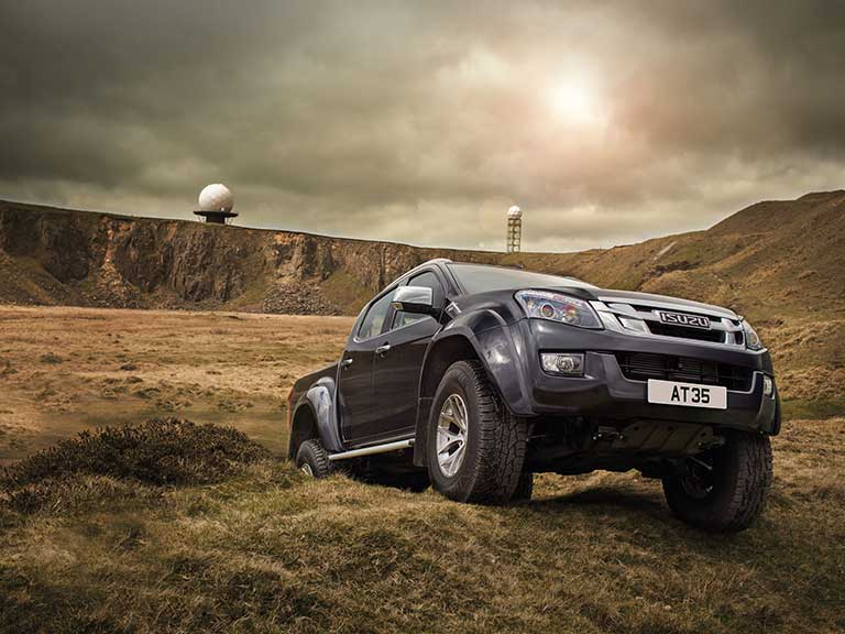 Isuzu D-Max AT35 offroading