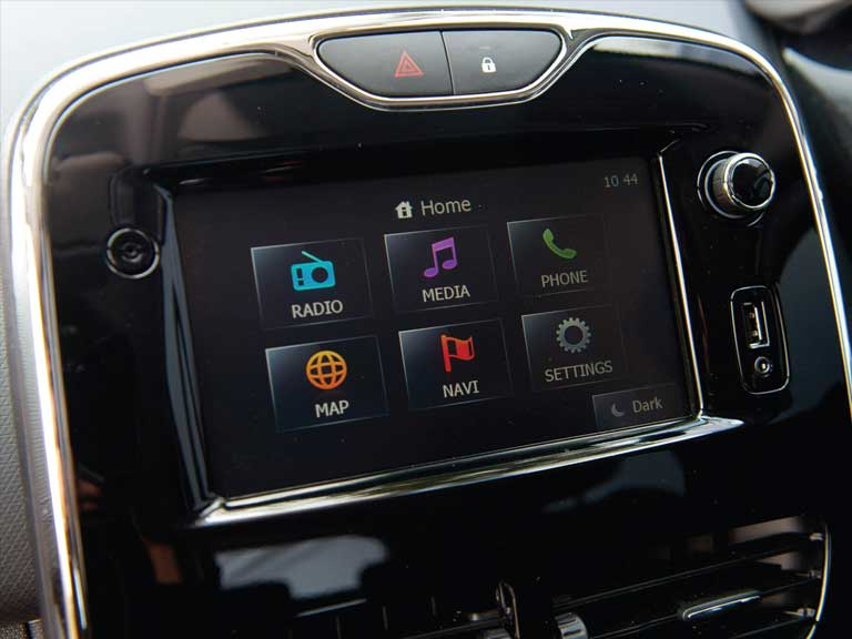 Renault Clio entertainment dashboard