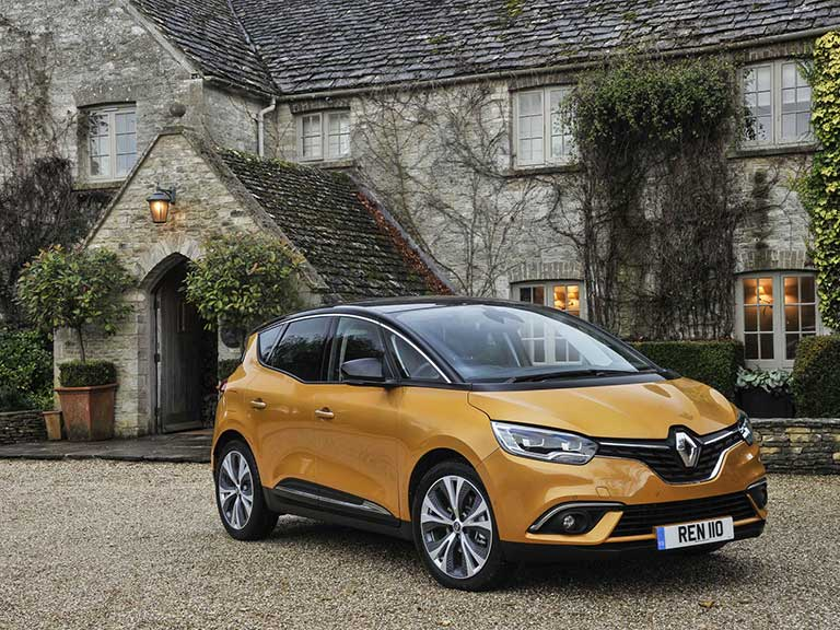 Renault Scenic front view